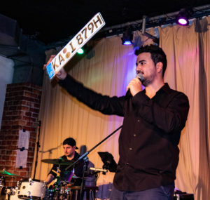 Apostolos Naumis, Musikgeschichten, Musik-Comedy-Show